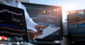 پیش بینی قیمت سهام با استفاده از تجزیه و تحلیل احساسات بازار